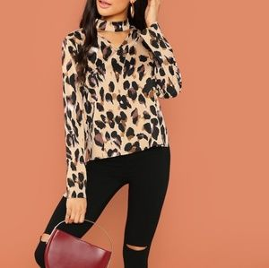 HP🏆Shein Keyhole Choker Animal Print Top